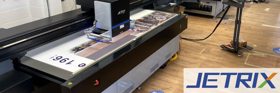 Da quando ha acquisito due stampanti flatbed UV-Led JETRIX LXi6, Screentec, stampatore professionista, ha scoperto che i tempi di produzione si sono..